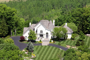 St Albans Bluffs home aerial photo example
